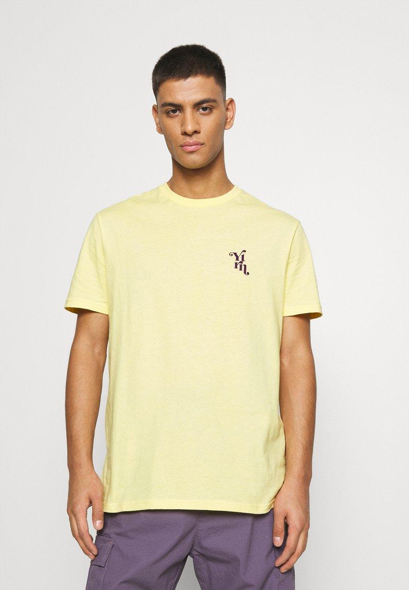 YOURTURN - UNISEX - T-shirt med print - yellow
