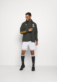 adidas Performance - MANCHESTER UNITED SPORTS FOOTBALL JACKET - Equipación de clubes - olive - 1