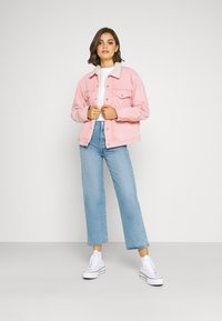 Levi's® - TRUCKER - Denim jacket - chalky blush - 1