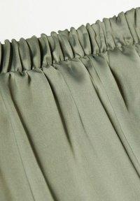 Mango - MATILDE-A - Pleated skirt - olivengrün - 5