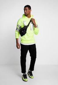 Nike Sportswear - Hættetrøjer - neon green - 1