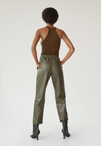 Mango - APPLE - Kalhoty - kaki - 3