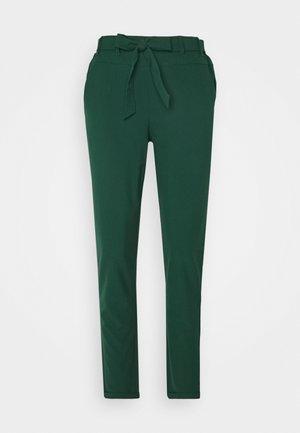JILLIAN BELT PANT - Kangashousut - dark green