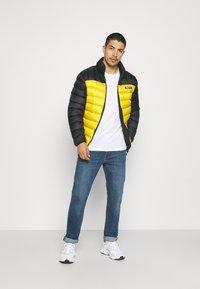 PARELLEX - HYPER JACKET - Light jacket - black/ mustard - 1