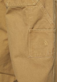 The North Face - BERKELEY  - Trousers - utility brown - 3