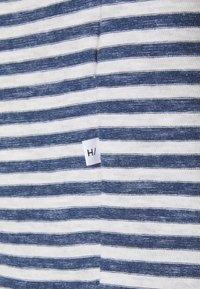 Selected Homme - SLHAUGUSTUS  - Print T-shirt - dark blue melange/light grey melange - 2