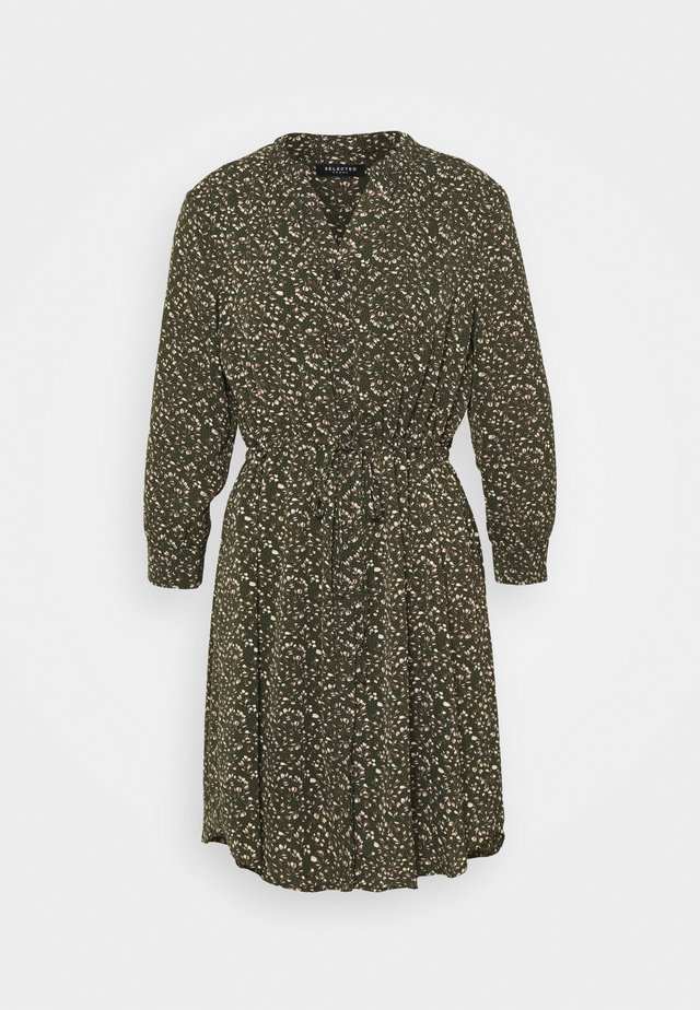 SLFMETHA DAMINA DRESS PETITE - Denní šaty - winter moss
