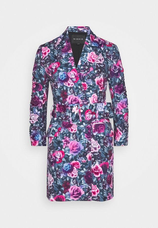 NORIA DRESS - Cocktailkjoler / festkjoler - radical pink