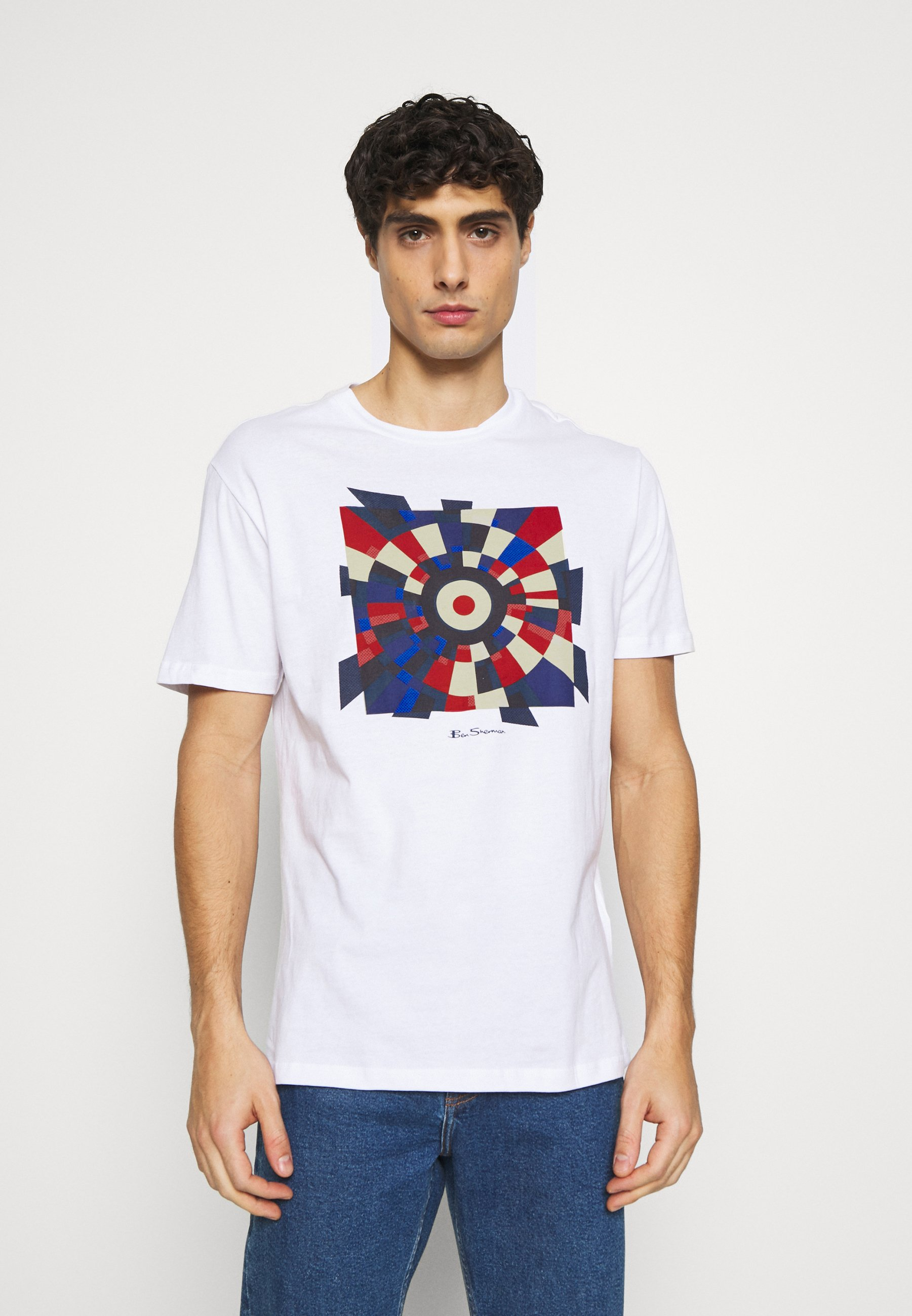 FRACTURED TARGET TEE   T Shirt print   white