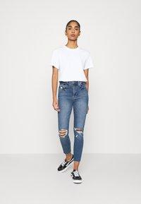 Good American - WAIST CROP RAW EDGE - Jeans Skinny Fit - blue - 1