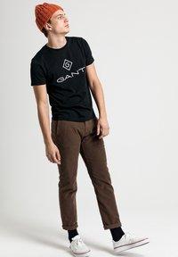 GANT - LOCK UP  - T-shirt med print - black - 5