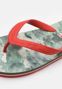 Levi's® - SOUTH BEACH UNISEX - Pool shoes - khaki - 5