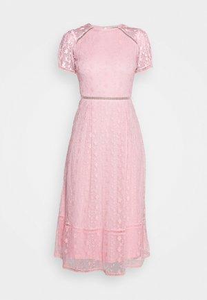 EMILY MIDI - Cocktailklänning - pink