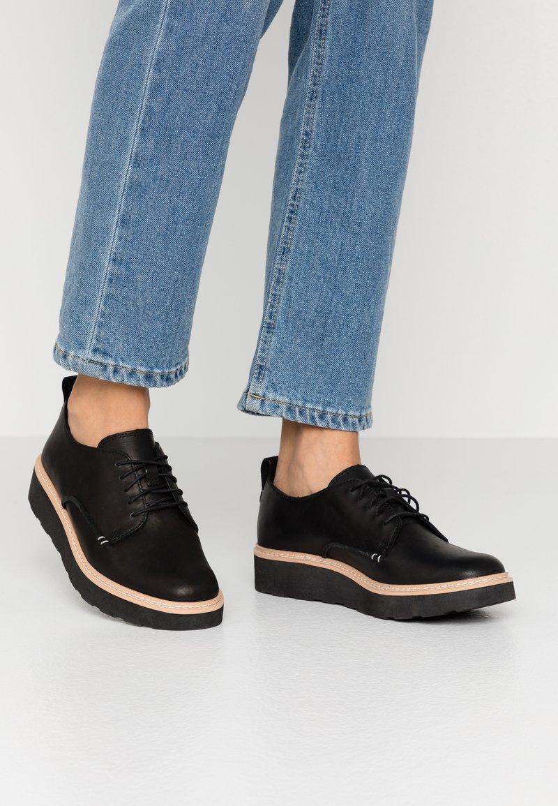Clarks - TRACE WALK - Lace-ups - black
