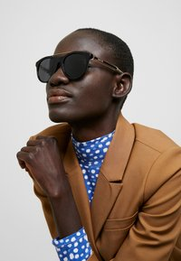 Gucci - Sunglasses - black/crystal/grey - 2