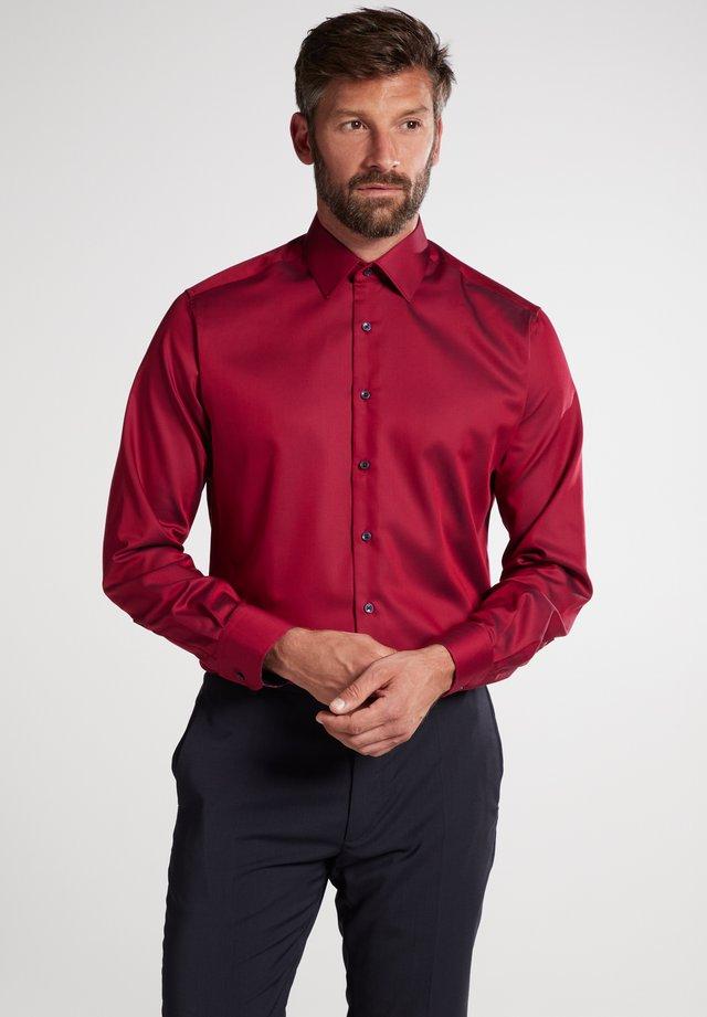 MODDERN FIT - Zakelijk overhemd - ziegelrot