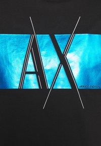 Armani Exchange - T-shirt imprimé - black - 5