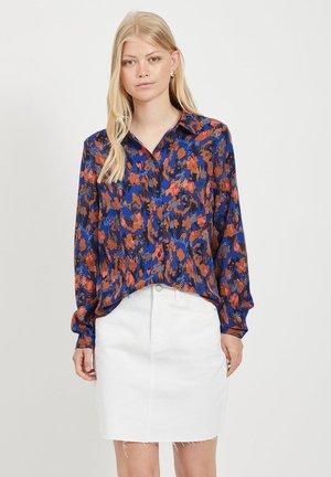 GEMUSTERTE - Button-down blouse - mazarine blue