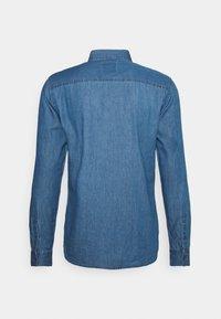 Newport Bay Sailing Club - SHIRT - Overhemd - light wash - 6