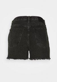 Abercrombie & Fitch - CURVE LOVE MID RISE BOYFRIEND - Denim shorts - black - 1