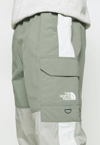 The North Face - STEEP TECH LIGHT PANT - Cargo trousers - agave green/wrought iron/green mist - 3