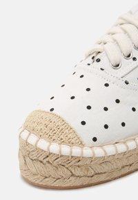 Even&Odd - Zapatos con cordones - beige - 7