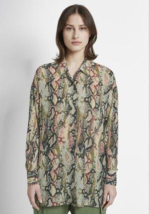 MIT SCHLANGEN - Button-down blouse - green
