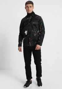 Nike Sportswear - HERITAGE HIP PACK - Bæltetasker - black/white - 1