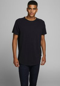Jack & Jones - JJECURVED TEE O NECK - Jednoduché triko - black - 0