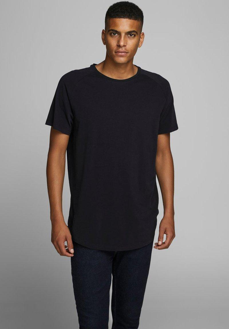 Jack & Jones - JJECURVED TEE O NECK - Basic T-shirt - black