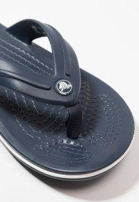 Crocs - CROCBAND FLIP - Pool shoes - navy - 2