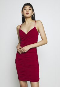 WAL G. - RUCHED STRAPPY DRESS - Cocktailkjole - red - 0
