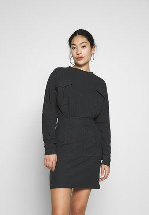 UTILITY POCKET DRESS - Vestido informal - grey