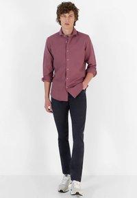Scalpers - Shirt - burgundy - 1