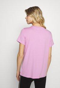 DKNY - TRACK LOGO - Print T-shirt - rosebud - 2