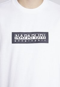 Napapijri The Tribe - SOX  - Print T-shirt - bright white - 5
