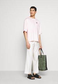 Martin Asbjørn - TEE - T-shirts - pink - 1