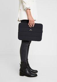 Bag N Noun - CASE MAT - Laptop bag - black - 5