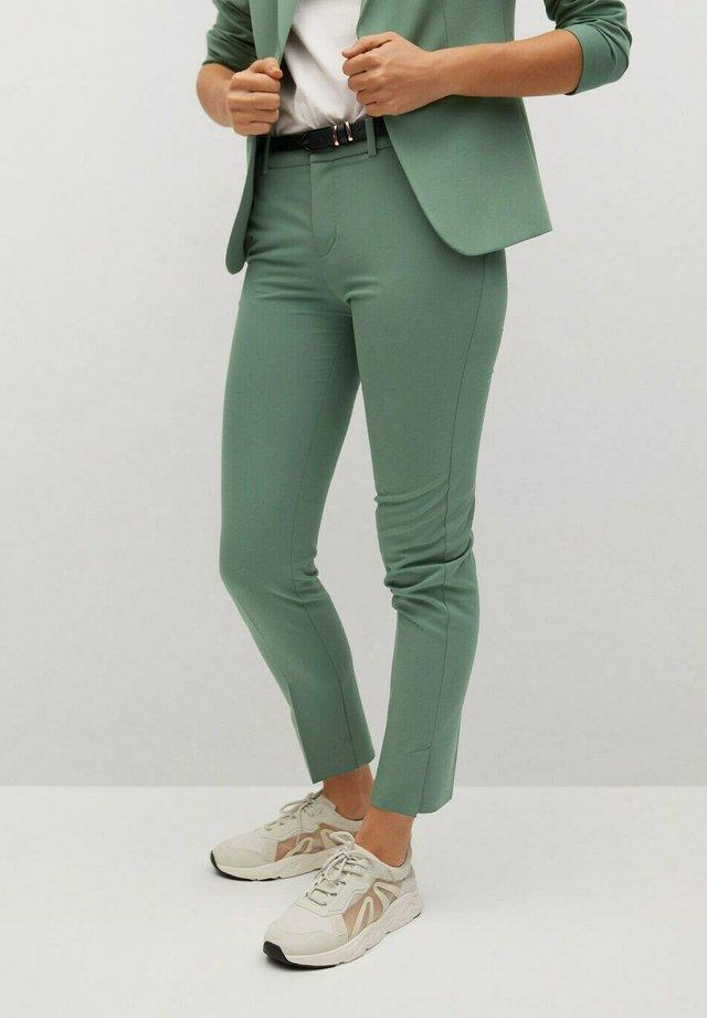 BOREAL - Pantalones chinos - groen