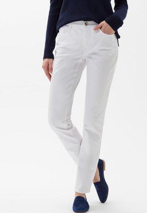STYLE CAROLA - Straight leg jeans - white