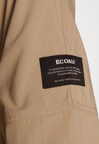 Ecoalf - OVERSIZE TRENCH WOMAN - Trenchcoat - topo - 6