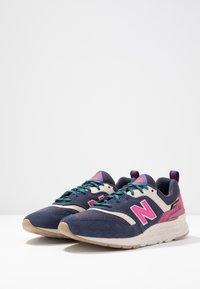 New Balance - CW997 - Sneakers - navy - 4