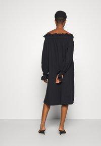 Gina Tricot - KAMILA OFFSHOULDER DRESS - Sukienka letnia - black - 2