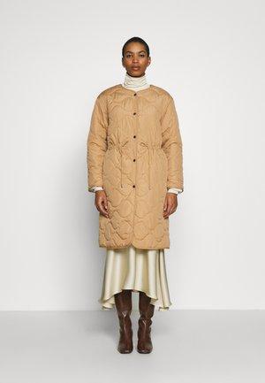 ARIANA - Classic coat - camel