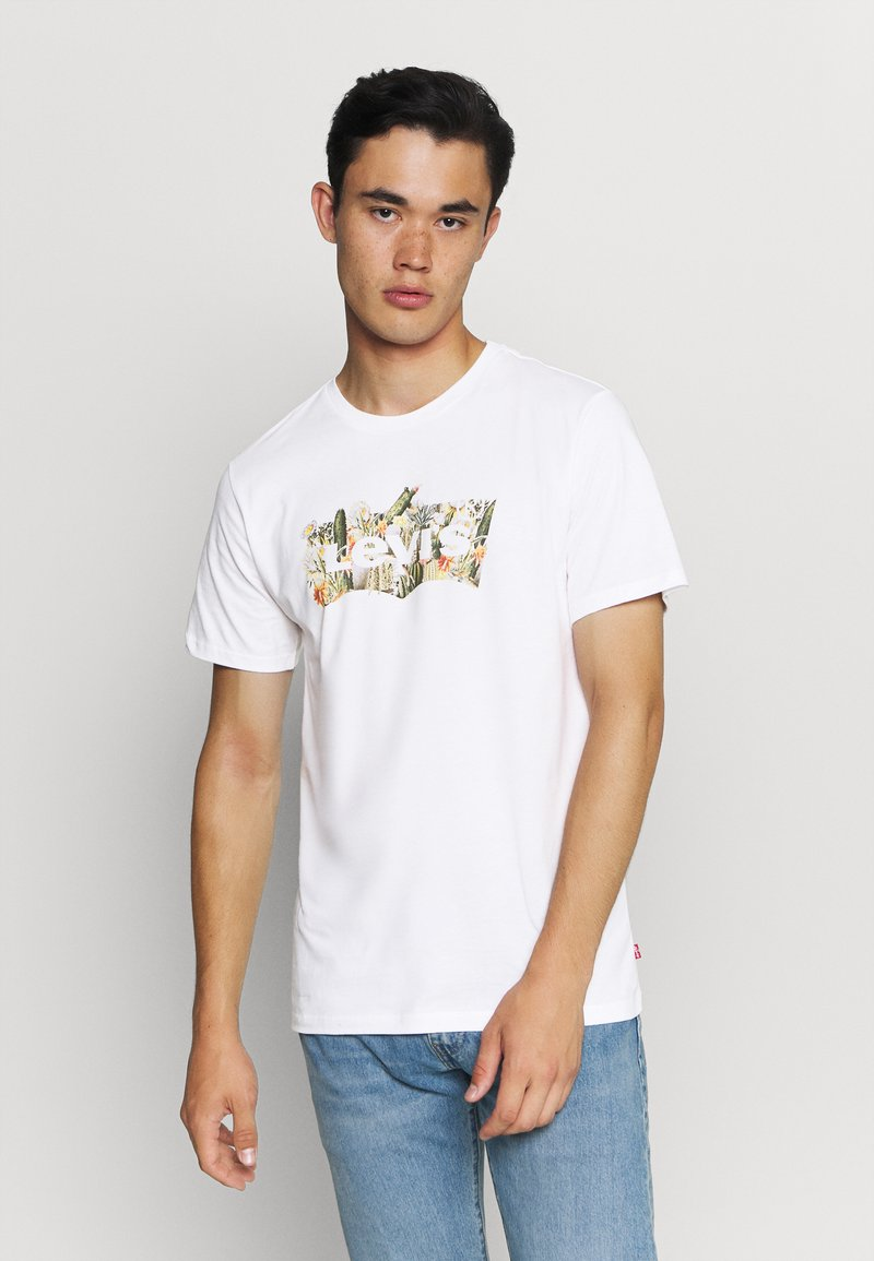 Levi's® - HOUSEMARK GRAPHIC TEE - Print T-shirt - cactus fill white