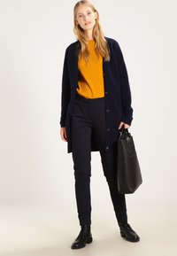 Fiveunits - KYLIE - Trousers - navy - 2