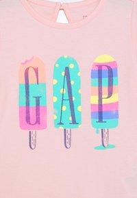 GAP - ARCH - T-shirt print - pink cameo - 2
