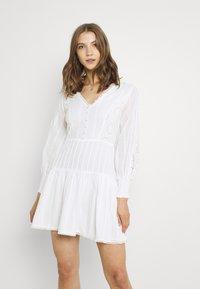 Lace & Beads - ELIZA DRESS - Košilové šaty - white - 0