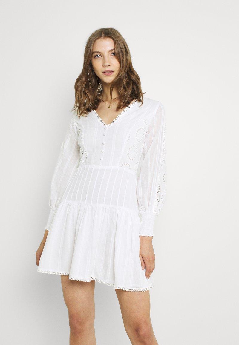 Lace & Beads - ELIZA DRESS - Košilové šaty - white