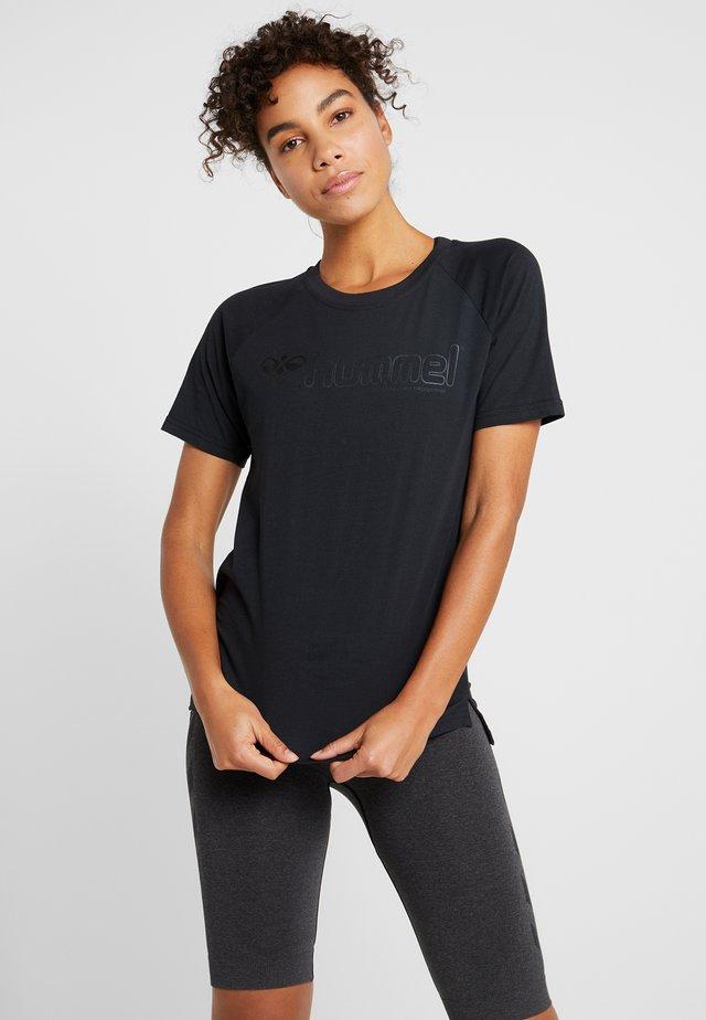 HMLZENIA - T-shirt con stampa - black
